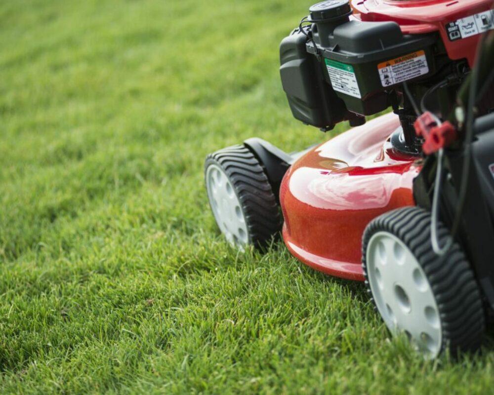 Grade Lawn Mowers
